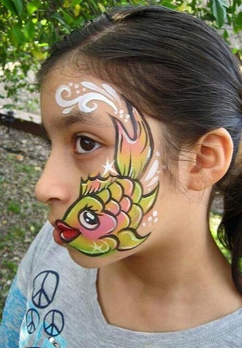 نقش ماهی روی صورت بچه ها