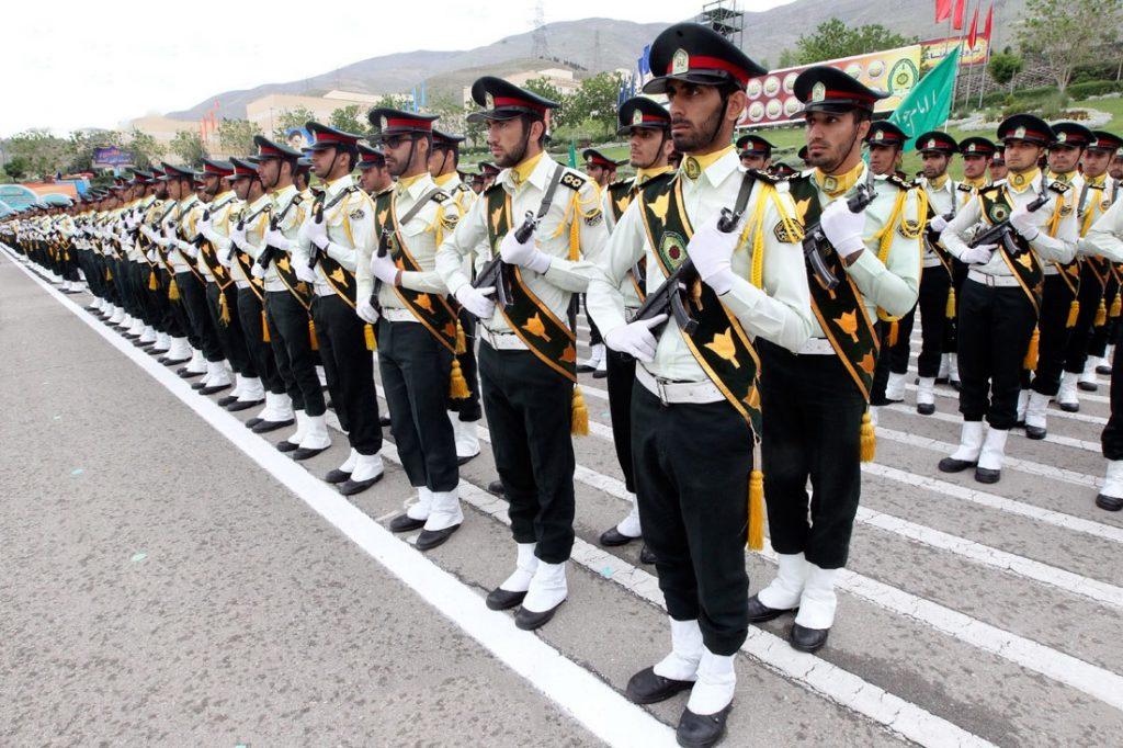 صف افسران نیروی انتظامی