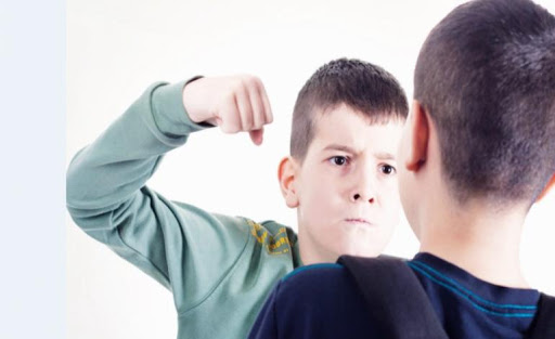 دعوای پسران نوجوان