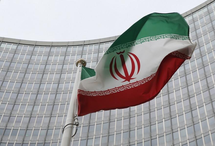 سرود ای ایران و اهتزاز پرچم
