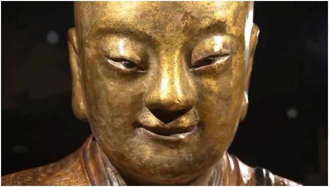 مومیایی در مجسمه بودا