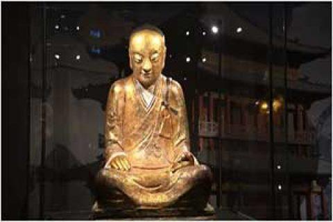 اکتشاف عجیب در مجسمه باستانی بودا