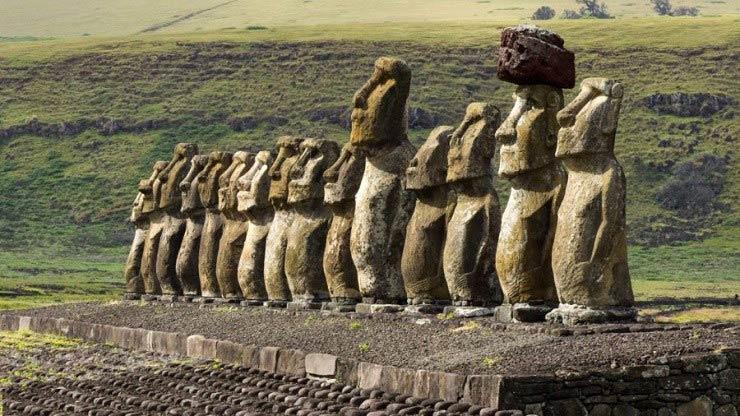 مجسمه های غول پیکر جزیره ایستر