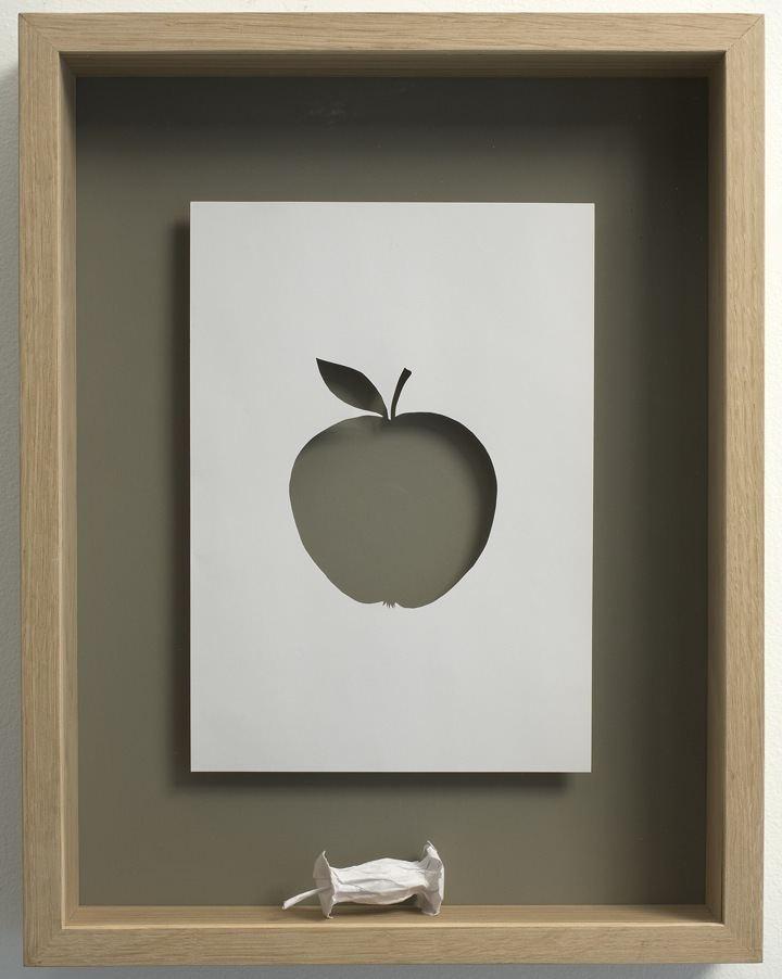 سیب از جنس کاغذ