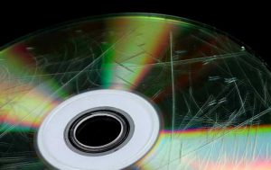 چگونه خش های سی دی را از بین ببریم