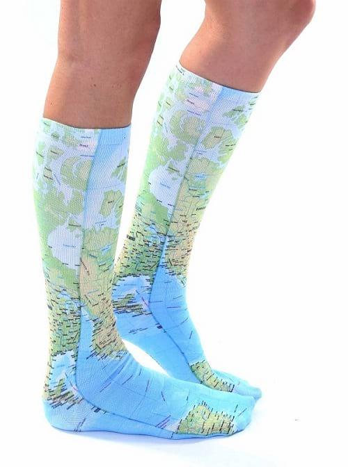 جوراب هایی با طرح های عجیب و بامزه