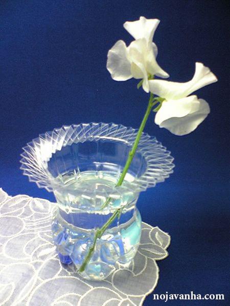 ساخت گلدان هنری و خلاقانه با بطری نوشابه
