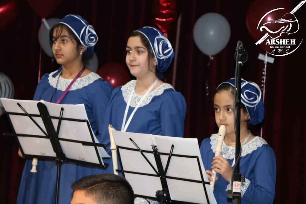 نوجوان موفق در رشته موسیقی