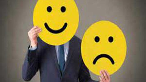 چگونه احساسات منفیمان را کنترل کنیم؟