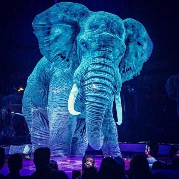 سیرک با حیوانات هولوگرامی